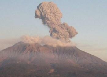 Explota volcán en prefectura de Japón 5