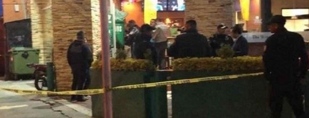Policía hiere asaltante y evita atracó a restaurante de la CDMX