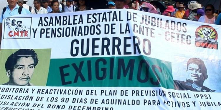 Vuelven a marchar jubilados de la CNTE en Chilpancingo 1