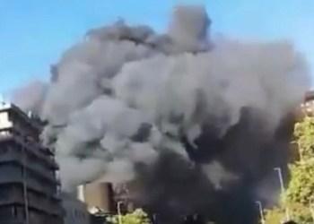 Enfrentamientos provocan incendio de cine emblemático en Chile 3