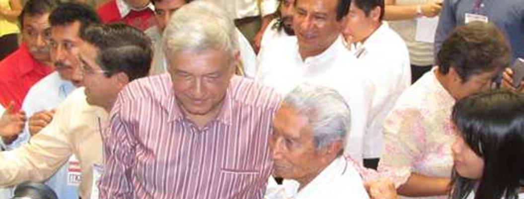 """""""Pablo Sandoval, un líder social extraordinario"""", destaca AMLO"""