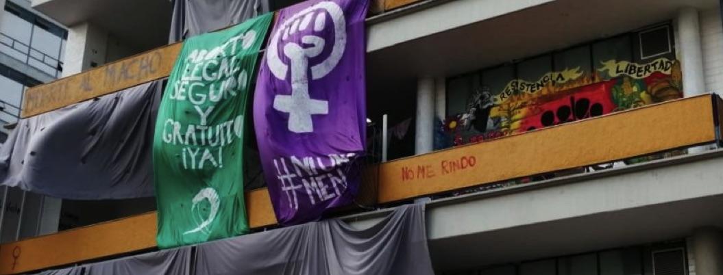 Filosofía aprueba peticiones de feministas; las enviará a Consejo
