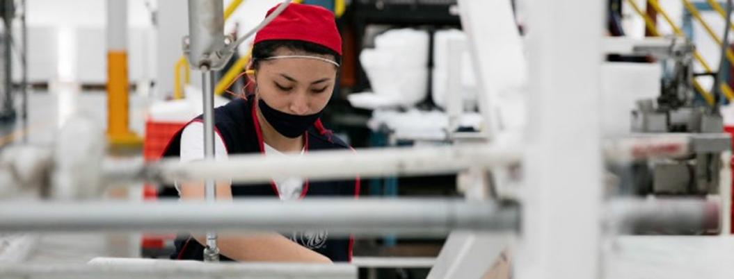 Disminuyen empleos en sector de manufacturas