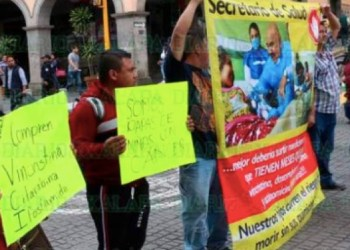 Faltan medicinas en Veracruz, protestan padres de niños con cáncer 1