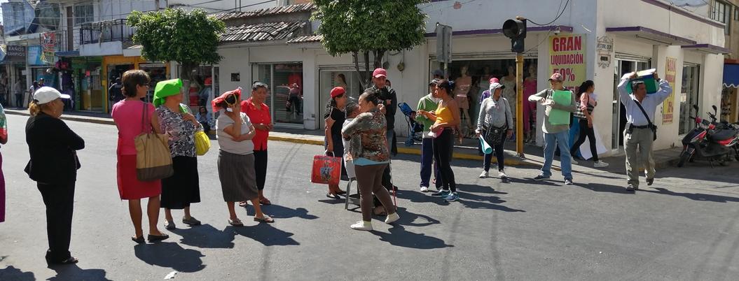 Discapacidos bloquean avenida en Chilpancingo por falta de apoyos