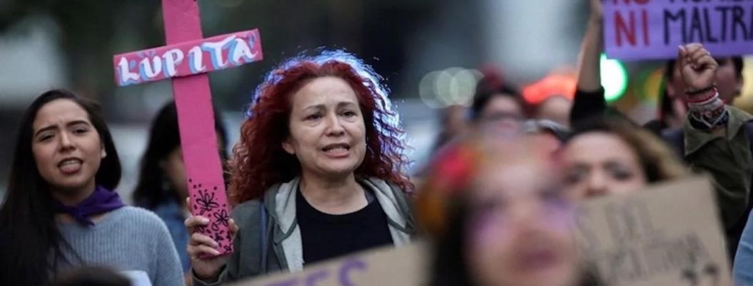 Madres y padres, las víctimas colaterales de los feminicidios