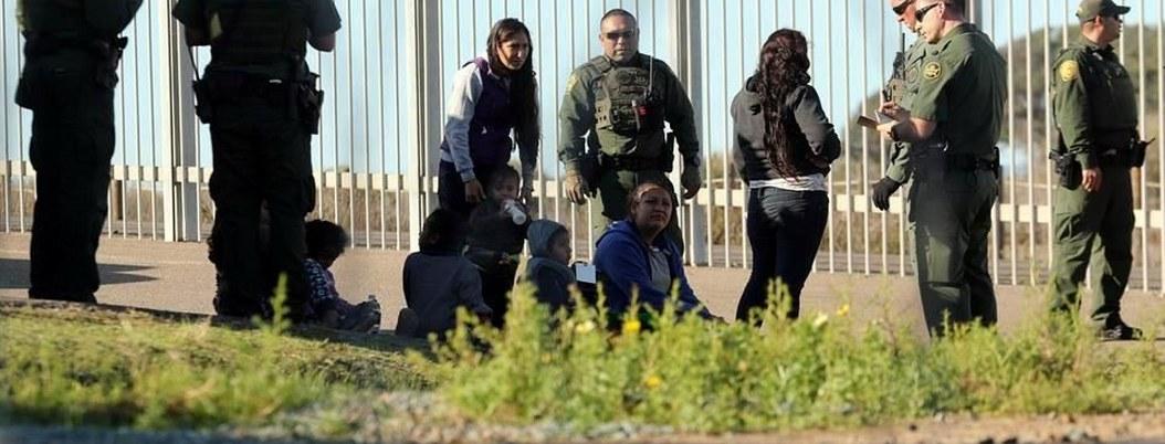 EU usa datos de celulares para localizar y detener a migrantes