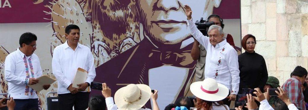 AMLO inicia gira de tres días por Oaxaca