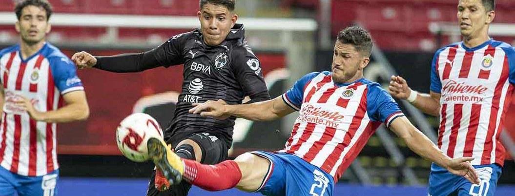 Chivas sufre pero evita primer triunfo de Monterrey con empate