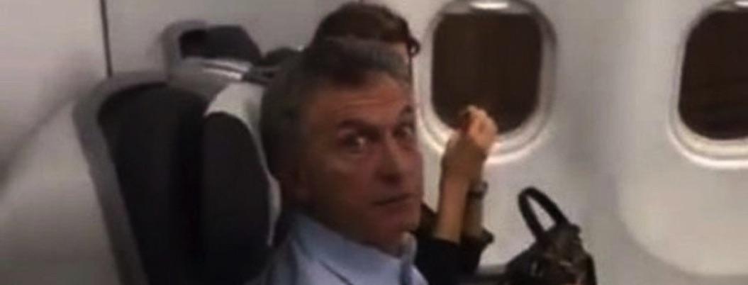 Aplican a Macri la misma que a Calderón: lo confrontan en avión