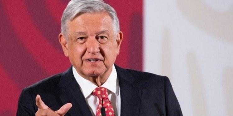 """AMLO: """"ahí vamos resistiendo"""", sobre crisis del peso y coronavirus"""