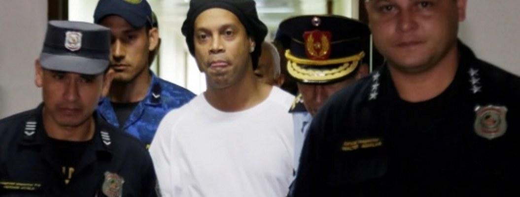 Ronaldinho acusado de lavado de dinero; niegan arresto domiciliario