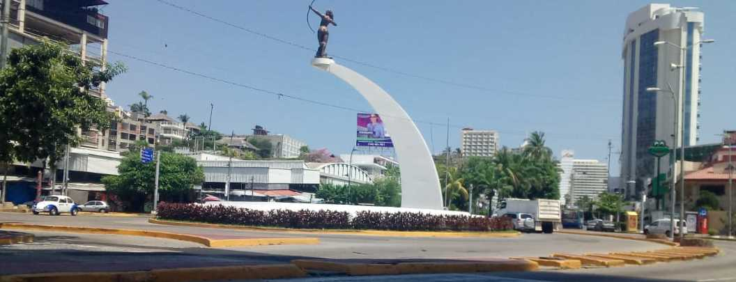 Coronavirus vacía calles y playas de Acapulco