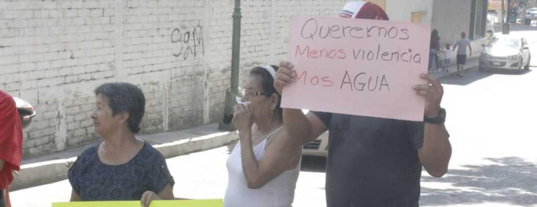 Falta de agua provoca bloqueos en Chilpancingo