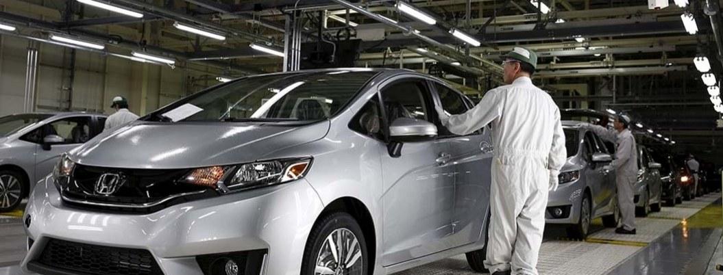 Automotrices suspenden operaciones en México por COVID-19