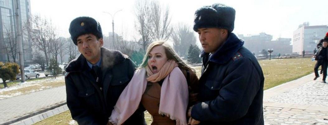 Kirguistán: atacan a mujeres que se manifestaban por su día