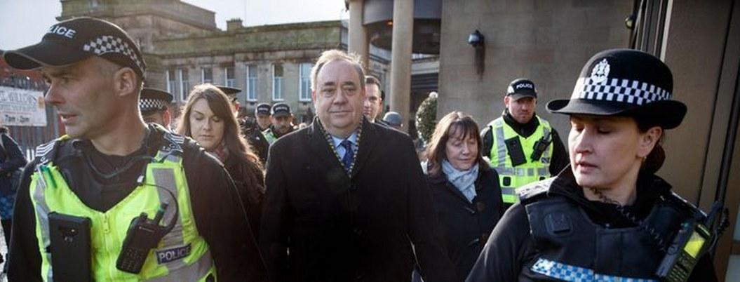 Exprimer ministro escocés, juzgado por agresiones sexuales