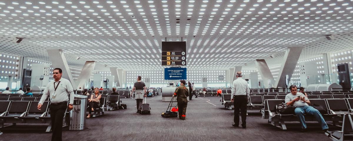 Salud sugiere no viajar al extranjero para evitar covid-19