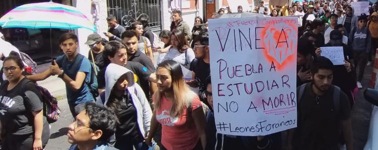 Siguen marchas universitarias en Puebla; piden justicia y seguridad