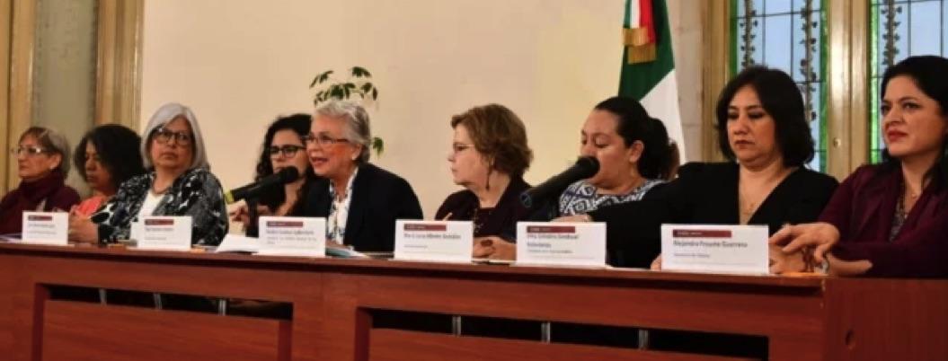 "Secretarias de 4T se reúnen e intentan defender ""feminismo"" de AMLO"