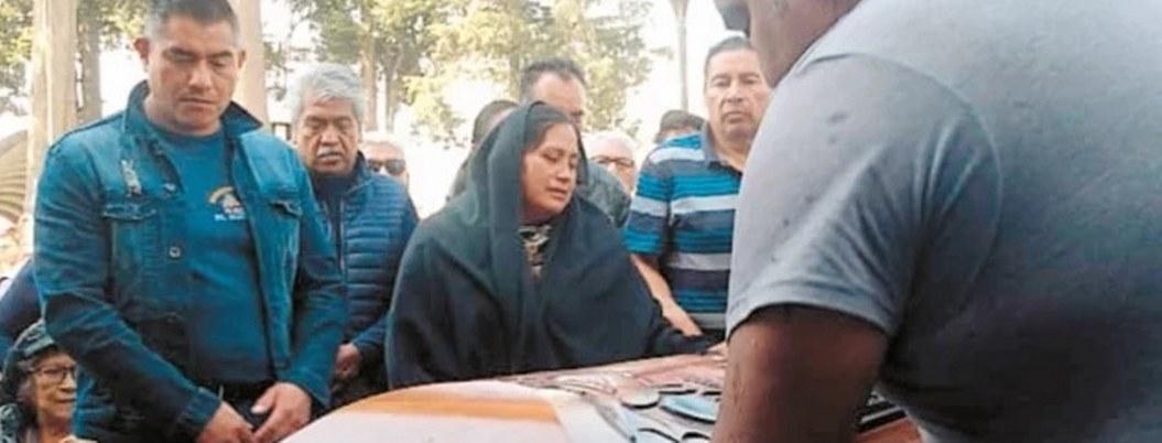 Padres sepulan a Blanca tras 49 días desaparecida