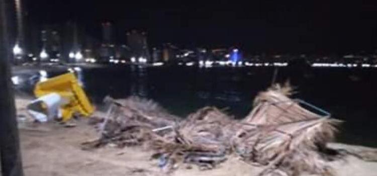 Acapulco: desmantelan mobiliario de playas; habrá más protestas para hoy 1