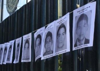 """Caso Ayotzinapa: presentan iniciativa para que el 26 de septiembre, sea el """"Día de los 43"""" 9"""