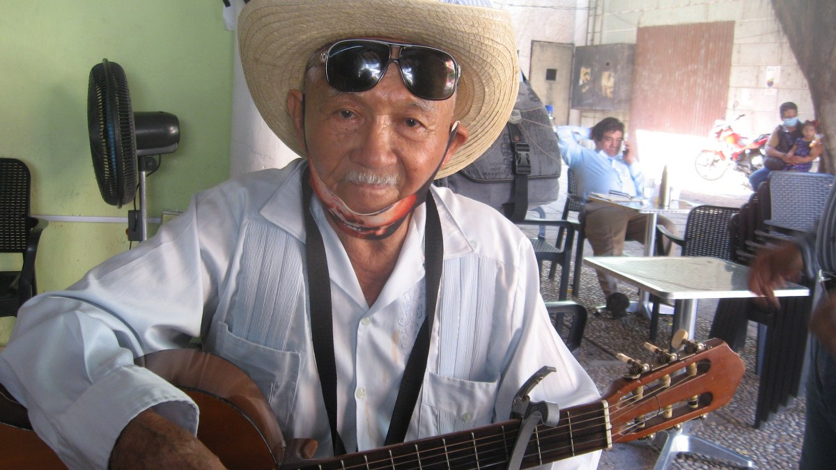 El Zurdo Ríos, una leyenda de los éxodos de AMLO en Tabasco| Video 1