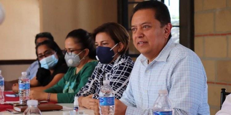 Pablo Sandoval encabeza encuestas por candidatura de Morena en Guerrero; Félix recula 1