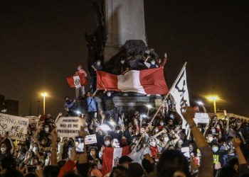¿Por qué los habitantes de Perú salieron a tomar las calles? 1