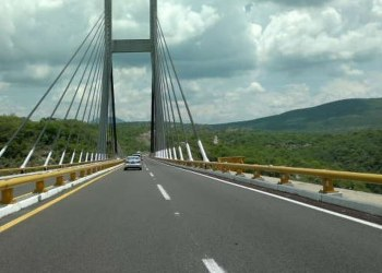Empresarios de Acapulco se quejan por aumento en la Autopista del Sol 4