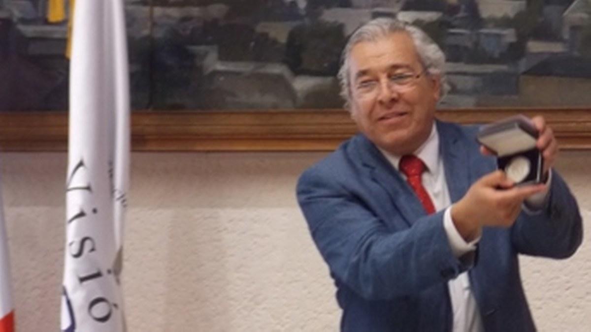 Lo que falta a la poesía mexicana es crítica: Evodio Escalante 2