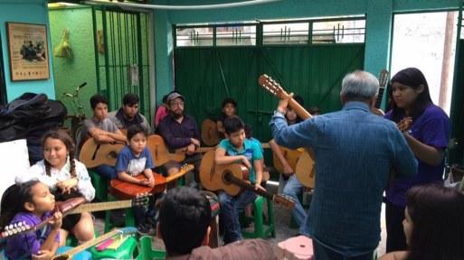 Todos tenemos un tiempo para la música, dice alumna de Jóvenes Orquestas 3