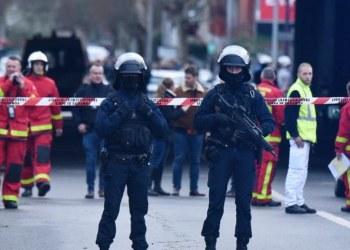 Policía hiere a hombre que acuchilló e hirió a varios en Suecia 2