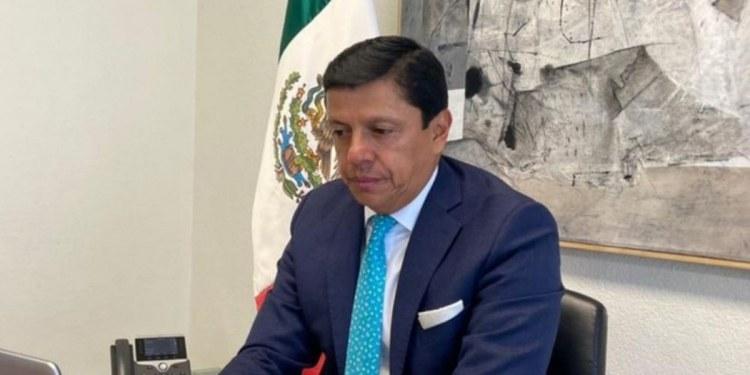 Fabián Medina renuncia como jefe de oficina de la SRE 1