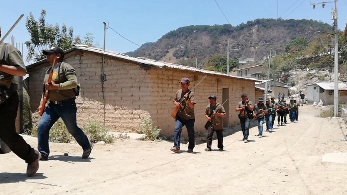 Guerrero: los niños armados de la Montaña; los preparan para enfrentar criminales   Fotos 3