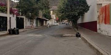 Acapulco: la basura se acumula en la colonia Icacos, denuncian 7