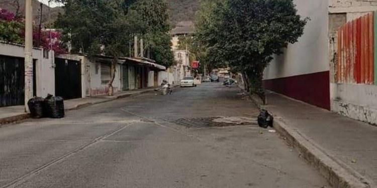 Acapulco: la basura se acumula en la colonia Icacos, denuncian 1