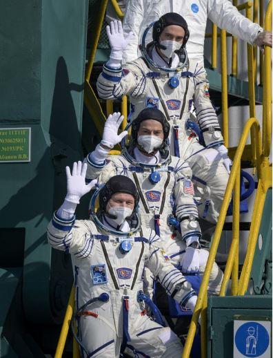 Astronautas parten a misión en la Estación Espacial Internacional 1