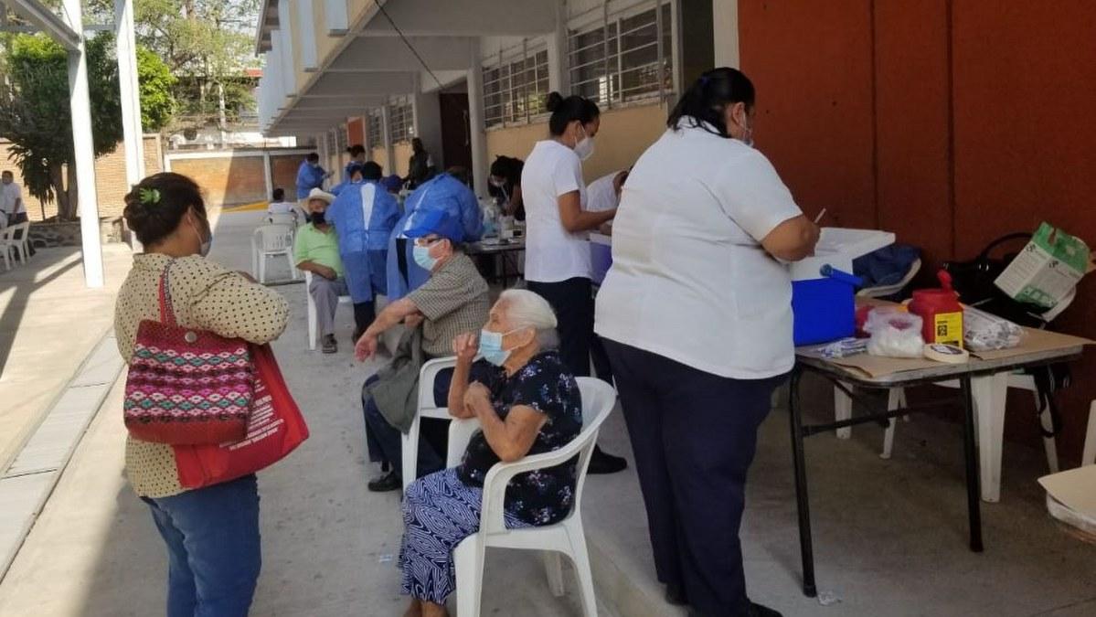 Arranca la jornada de vacunación contra Covid en Amacuzac, Morelos 2