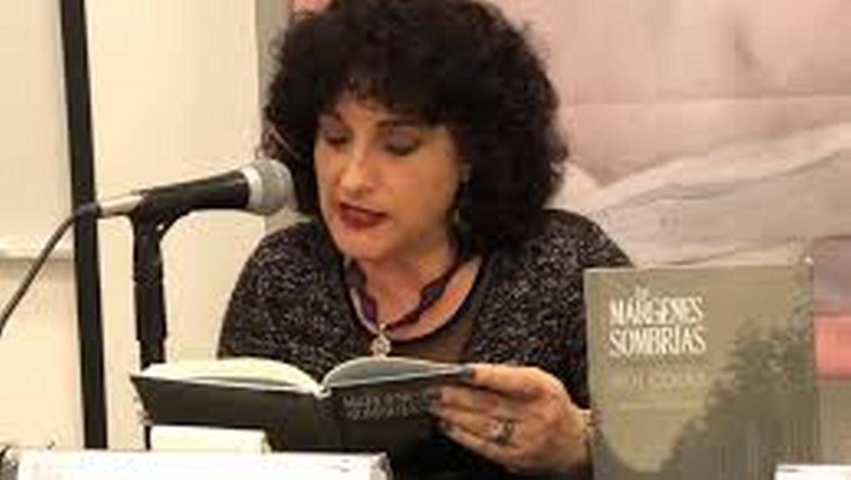 El poeta a lo que puede aspirar es a hacer algo contra el silencio: Blanca Luz Pulido 2
