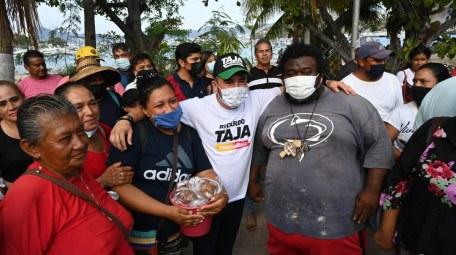 Ricardo Taja firma compromisos turísticos para recuperar Acapulco 1