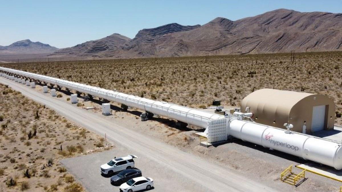 """Tren ultraveloz """"Hyperloop"""" iniciaría operaciones en 2027 en EU 1"""