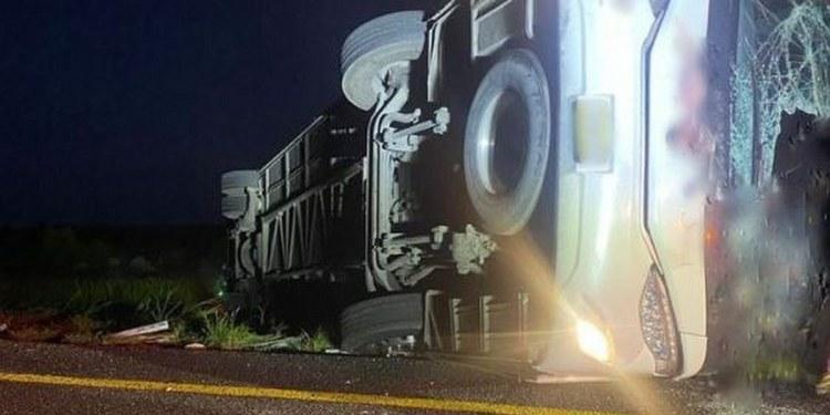Mueren 12 tras volcadura en la carretera Monterrey-Reynosa 1