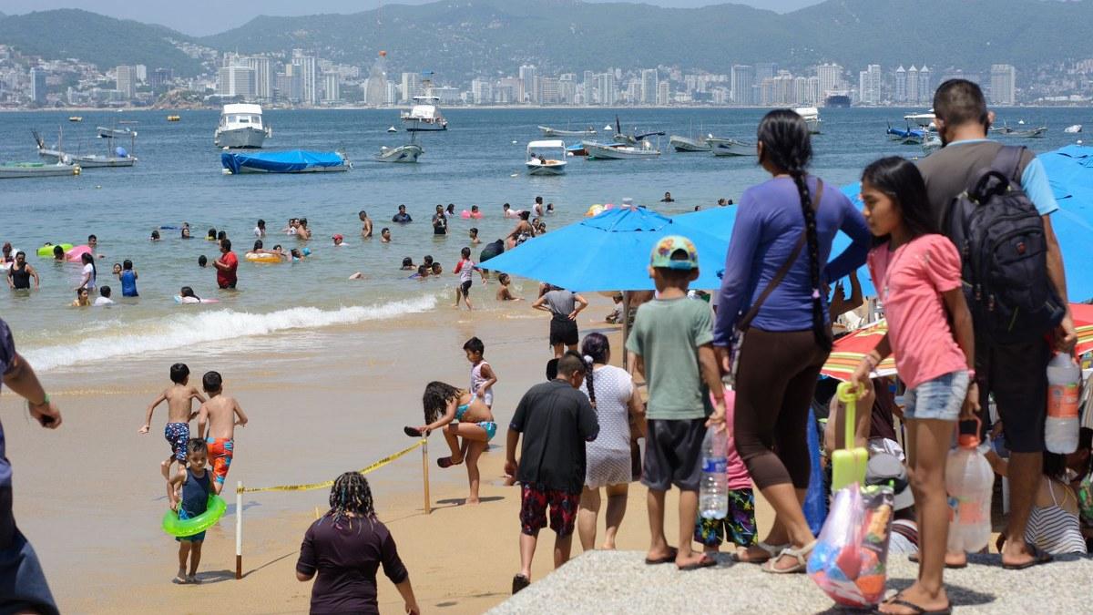 ¿Cuál Covid? Turistas atiborran playas de Acapulco; la mayoría sin cubrebocas   Fotos 1