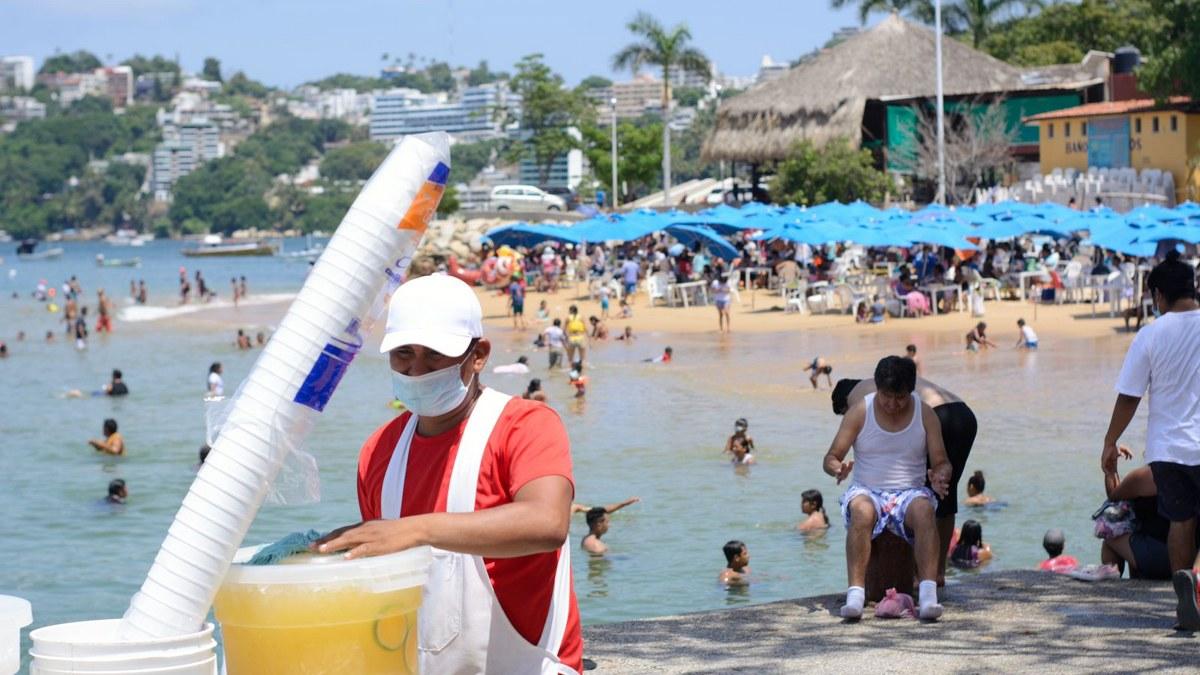 ¿Cuál Covid? Turistas atiborran playas de Acapulco; la mayoría sin cubrebocas   Fotos 5