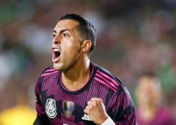 Afición argentina se burla de Funes Mori por jugar con México 8