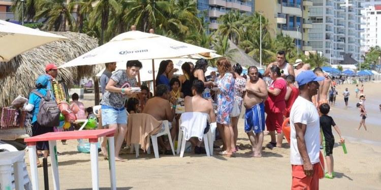Acapulco satura camas Covid y playas; ocupación hotelera rebasa el 50% 1