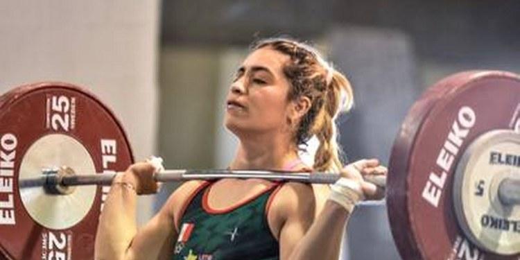 Aremi Fuentes le da bronce a México en halterofilia; levantó 245 kilos en Tokio 2020 1