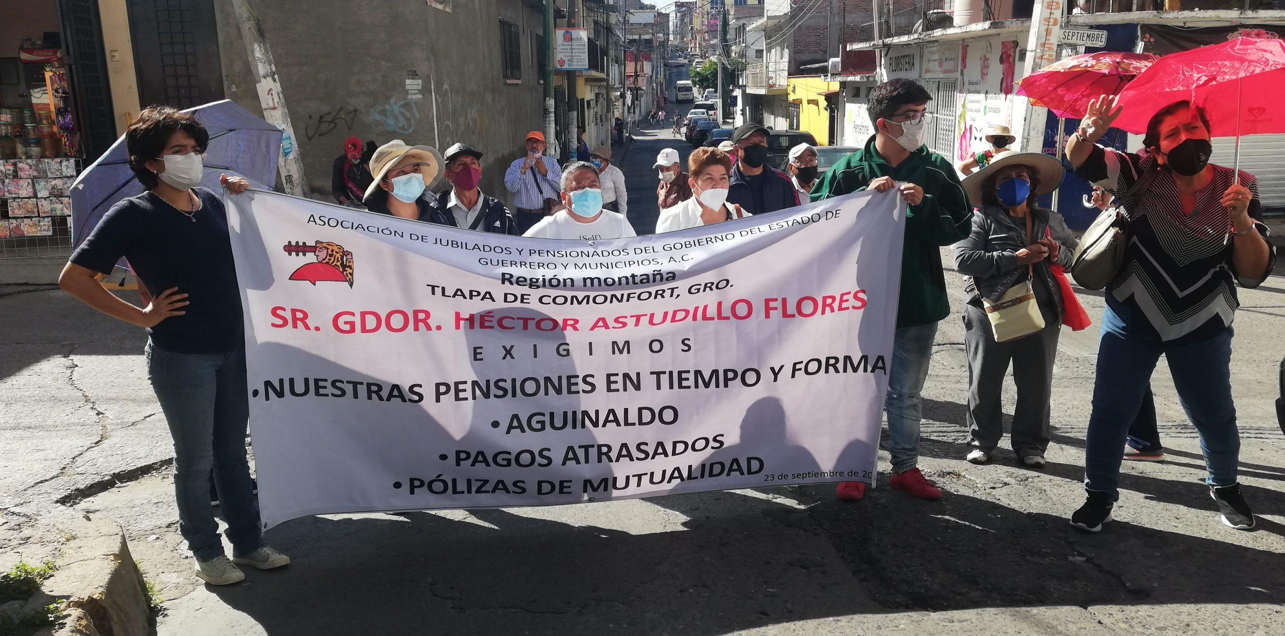 Chilpancingo: Cierran jubilados las oficinas de Astudillo y bloquean avenidas; exigen pagos 1